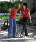 gallery_main-kristen-stewart-dakota-fanning-the-runaways-07012009-08