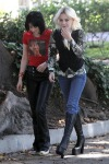 gallery_main-kristen-stewart-dakota-fanning-the-runaways-07012009-37