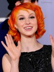gallery_main-hayley-williams-2010-grammy-awards-red-carpet-photos-02012010-01